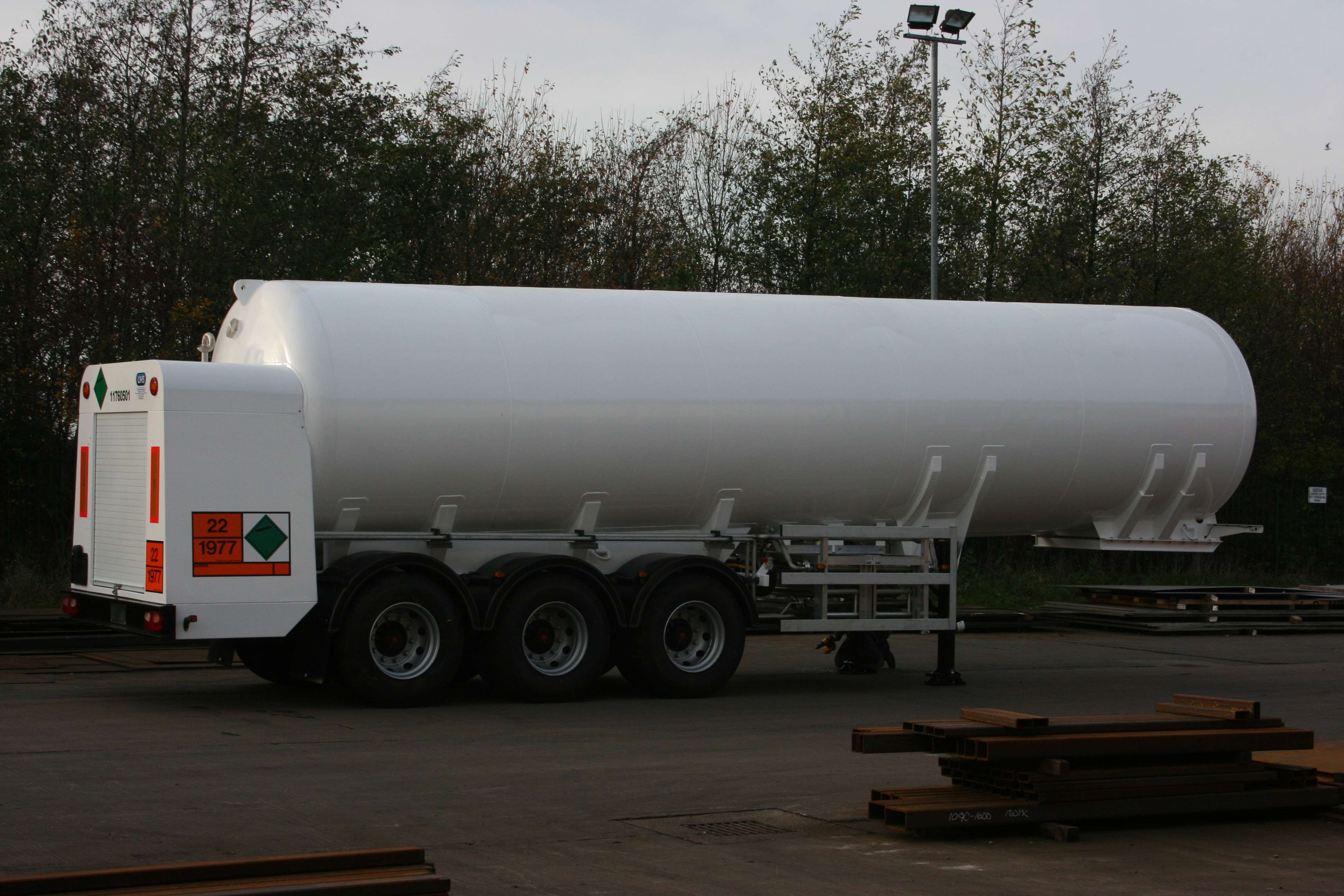 Cryo­genic semi trailer  with cus­tomer spe­cified tank, SAF drum braked axles, air suspension and carbon steel or stainless steel sub chassis. Tanker con­fig­ur­a­tion includes rear cab­inet, vapour­isers, vapour­iser guards, all elec­trics and light­ing, paint­work, cus­tomer logos and decals. Full engin­eer­ing design review and ADR/TPED approval.